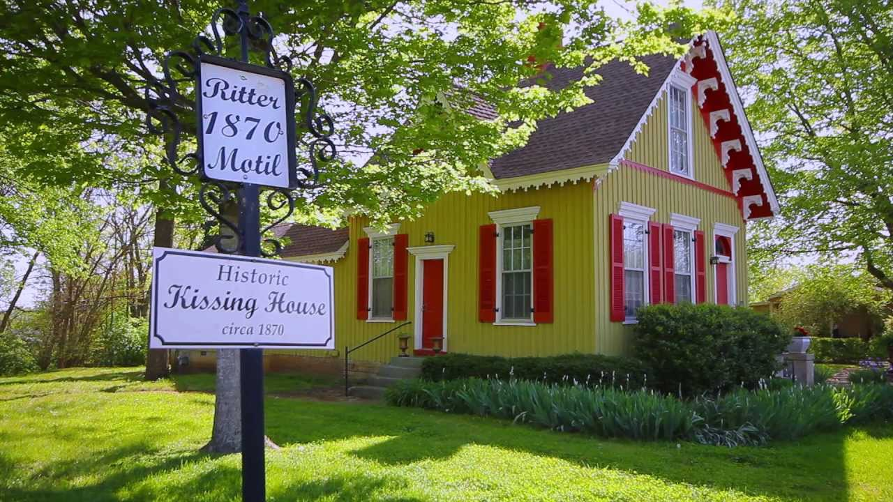 412 mclemore ave spring hill tn historic kissing house for Historic homes for sale in tennessee