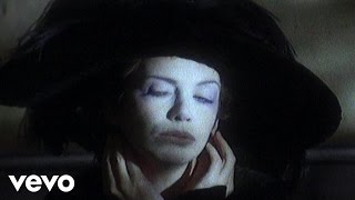 Watch Annie Lennox Cold video