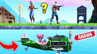 FLYING ON THE MAP NEW TRUCCO FORTNITE 2018 Bug Glitch Funny and Epic Moments