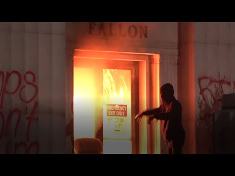 Oakland Courthouse Firebombing: Raw Video of protesters firebombing Alameda County Courthouse
