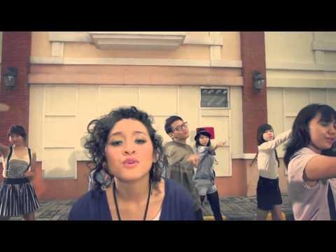 HiVi! -  Indahnya Dirimu  Official MV Clip (HD)