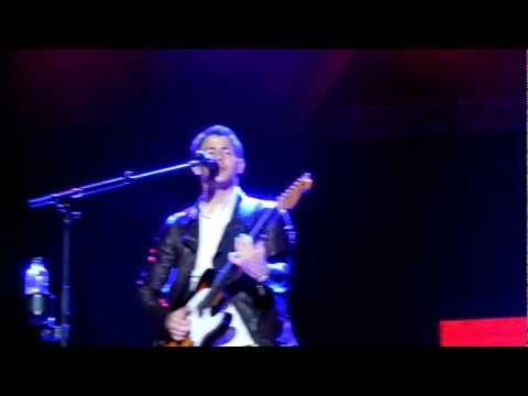 Play my music - Jonas brothers in Uruguay 19/03