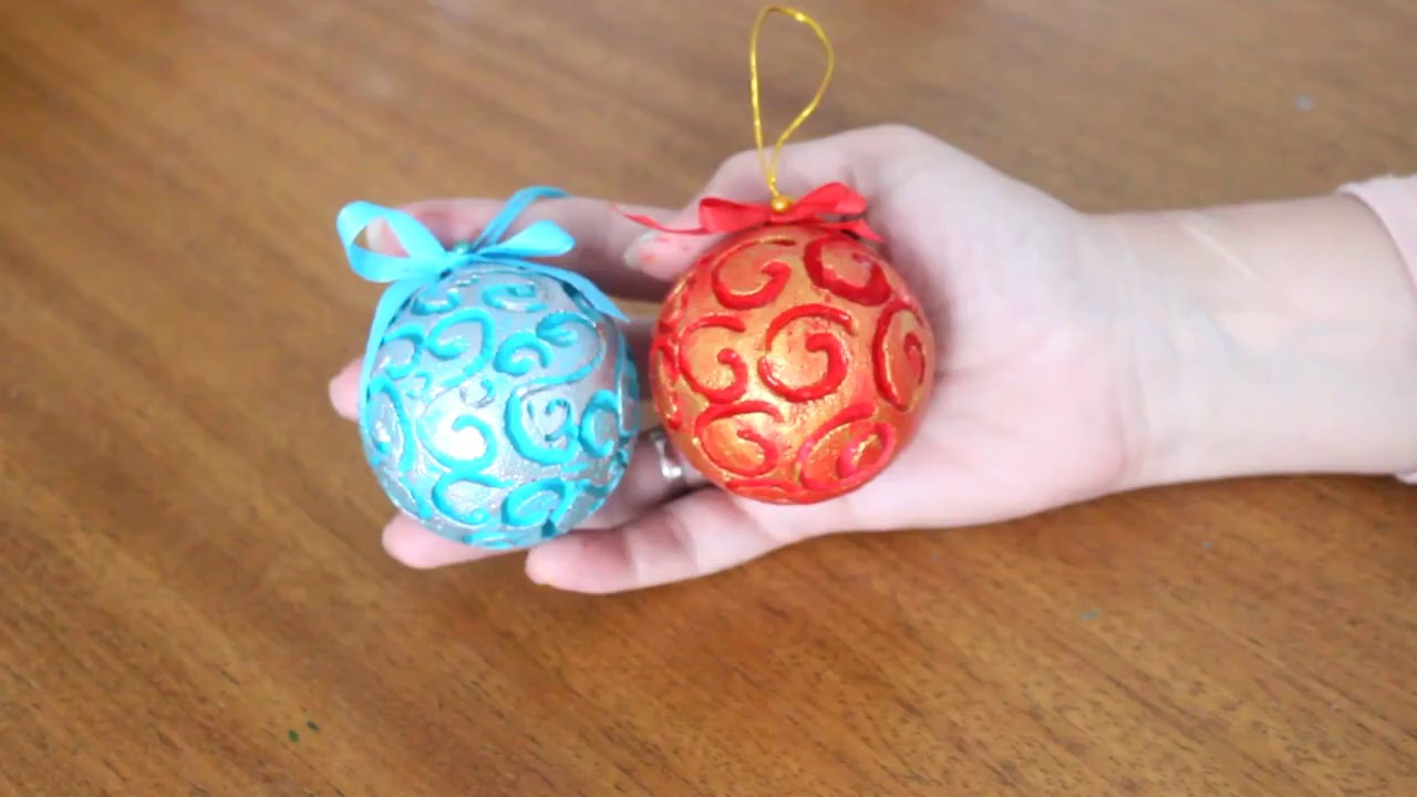 Esferas Navideñas De Telgopor Decoradas Con Bajo Relieve Decorated Styrofoam Christmas Spheres