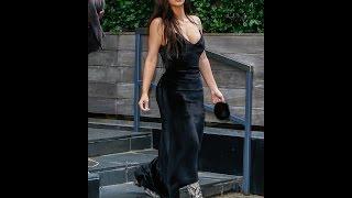 Ким Кардашян похвасталась фигурой в обтягивающем платье
