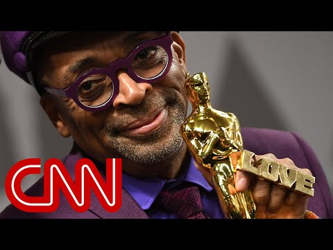 "Spike Lee celebrates Oscar for ""BlacKkKlansman"" at 2019 Academy Awards"