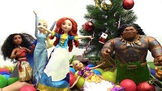 Принцессы Диснея - Новый Год с Моаной - Видео для девочек