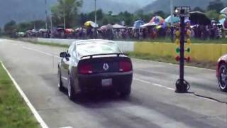 Ford Mustang vs Chevy Camaro - V8 Battle @ De Leo Acarigua (All Motor, Street Tires, No Nitrous)