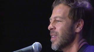 """Christophe Maé chante """"Il est où le bonheur"""" en live"""