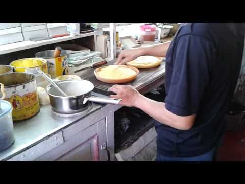 Cara membuat martabak manis (terang bulan)