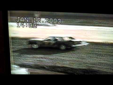 Manzanita Speedway , Winter 2003, Bomber heat race.