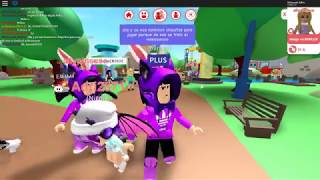 Roblox Playing with Adri Allypincesa to hide and stain (doing a little bit of cheating)