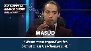 Masud bringt ein Geschenk mit