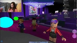Brooke plays Roblox, Dance your blox off