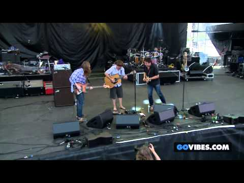 """Keller Williams' Grateful Grass performs """"Shakedown Street"""" at Gathering of the Vibes 2014"""