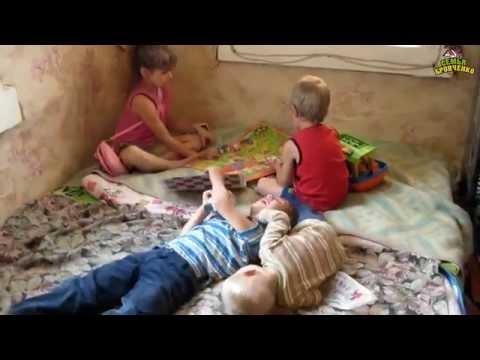 skritaya-kamera-v-zvezdnom-gorodke-zhenskiy-tualet