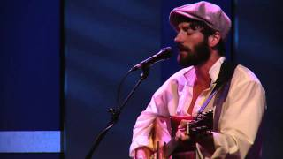"Ray LaMontagne Perfoms ""Trouble"""