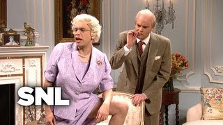 Kate Middleton Meets the Real Royal Family - SNL
