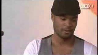 Смотреть клип Orishas - Mani