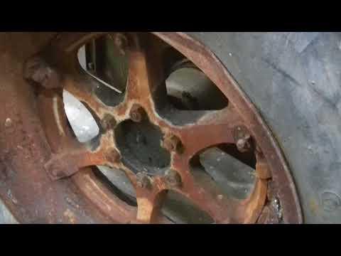 John Deere 1942 Model BR cast spoke hub identification? - zeketheantiquefreak