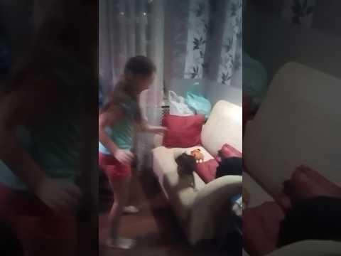 Моя дочь играет ч...