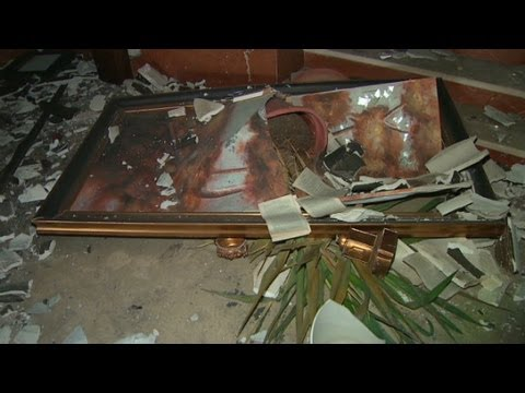 Video: Libyans try to save Chris Stevens