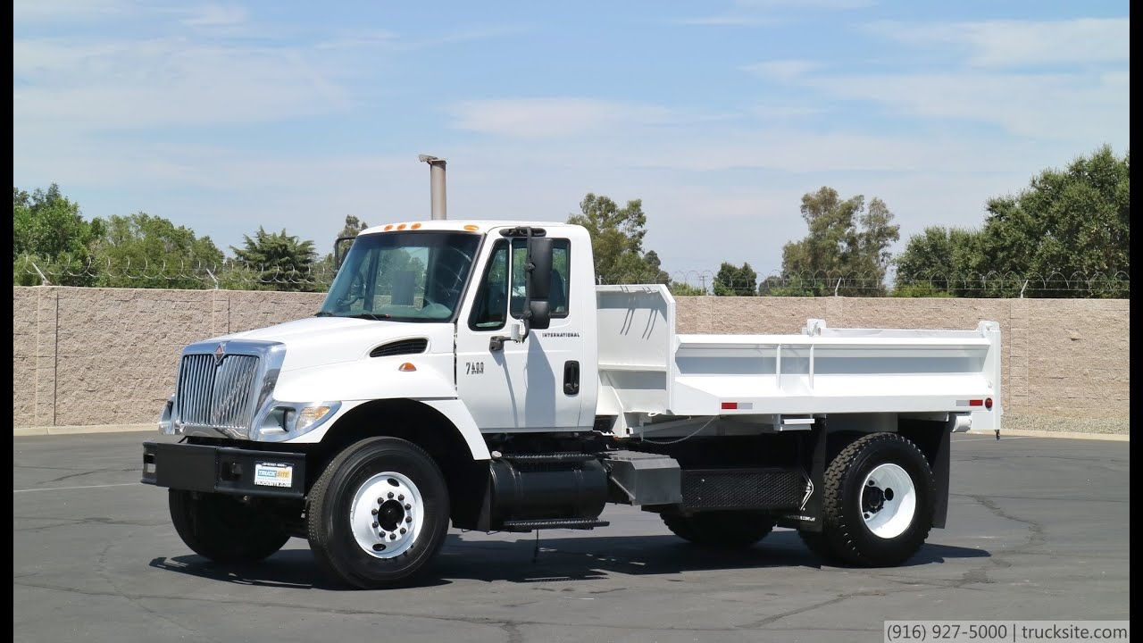 2006 International 7400 5 Yard Dump Truck