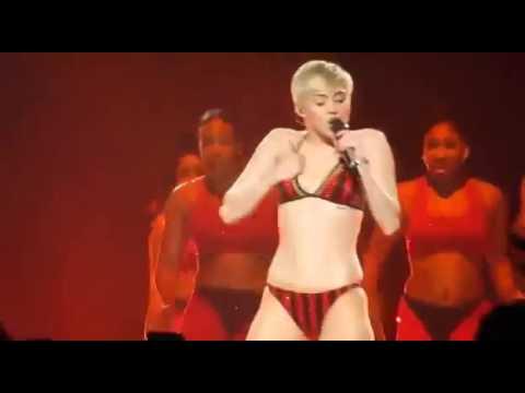 Miley Cyrus Concierto En Ropa Interior Concert in UNDERWEAR For Bangerz Prom March 2014