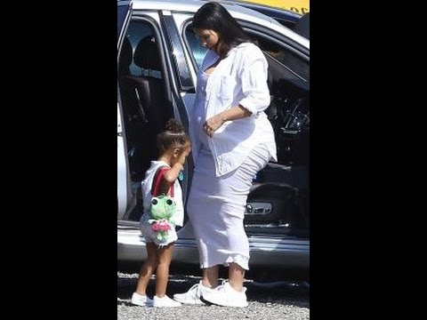 7bdf3526ea30d Kim Kardashian  Heavily Pregnant  KUWTK  Star Ditches Heels For Sneakers