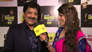 Udit Narayan sings Jaanam Dekhlo Mit Gayi Dooriyan at the #MMAWARDS RED CARPET