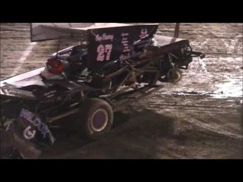 Perris Auto Speedway Figure 8 Main 5-20-17