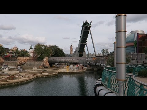 Universal Orlando Resort Contruction Updates For King Kong and Hulk Coaster & Holiday Decorations