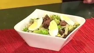 Салат из печени курицы с овощами