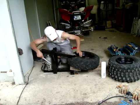 fabriquer un d colle pneu d monte pneu doovi. Black Bedroom Furniture Sets. Home Design Ideas