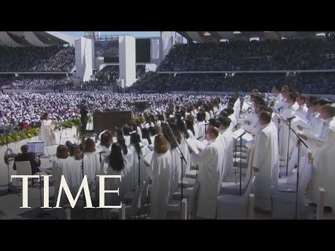Pope Francis Delivers The First-Ever Papal Mass On The Arabian Peninsula | TIME