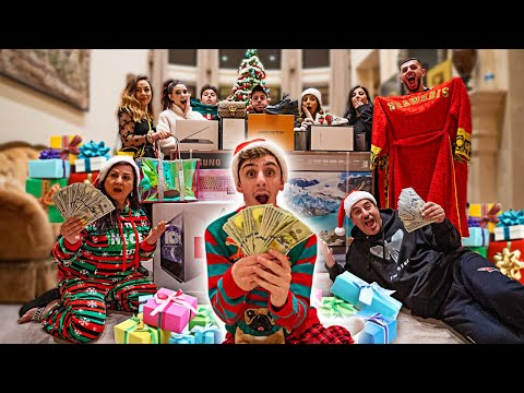 MOST INSANE FAMILY CHRISTMAS GIFTS OPENING EVER!!