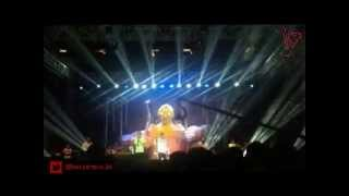 RAN feat.Tulus - Kita Bisa Live at Sky Avenue 2014