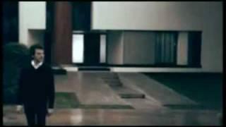 Смотреть клип Francesco Renga - Uomo Senza Età