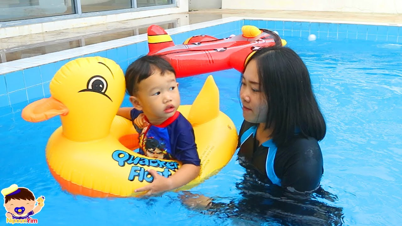 เล่นน้ำในสระใหญ่ครั้งแรกที่ Poo Villa | น้องนิปุณ แม่ริน