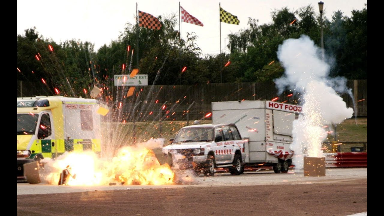 BANG! Explosive Hollywood race - Top Gear at the Movies