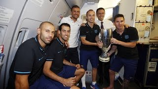 FC Barcelona - Celebrating de Super Cup victory on the plane home