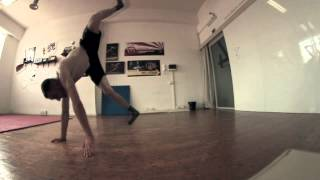 BREAKDANCE SLOWED AIRTRACK CANON 600D 50 fps & SAMYANG 8mm
