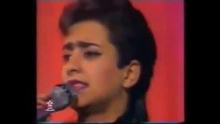 أول ظهور للمغنية زينة الداودية في التلفزة المغربية اواخر التسعينات - أغنية: لا تلومنيش