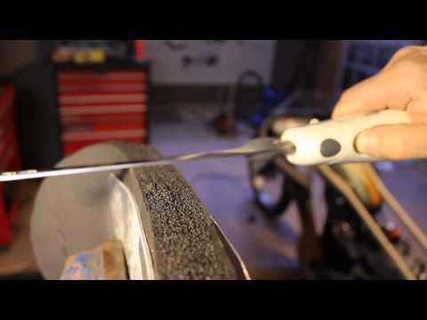 Cutting foam with electric knife