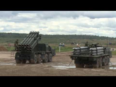 Демонстрационный показ боевых возможностей современной военной техники, стоящей на вооружении РФ