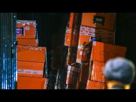 72 beg berisi wang tunai, barang kemas dirampas