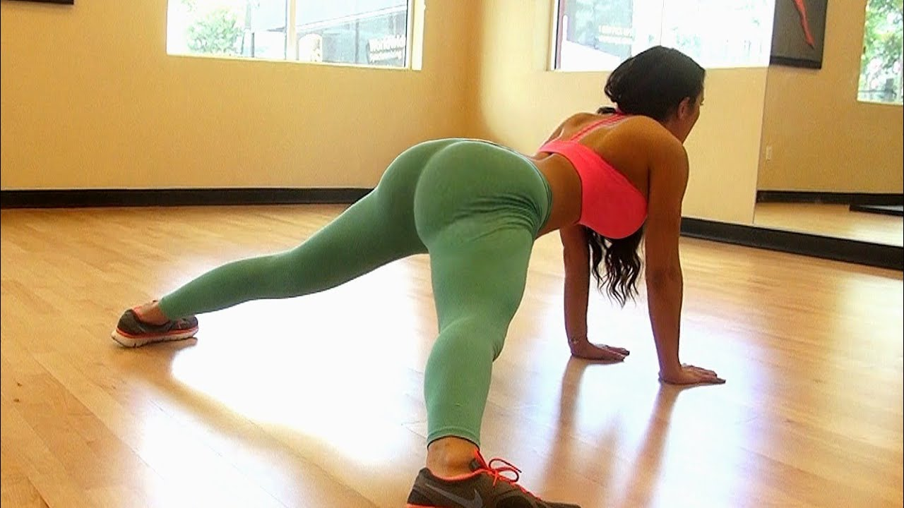 girls stretch routine is amazing!!!! - youtube