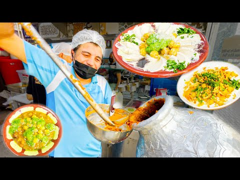 Street Food in Dubai - The first hummous I try in Dubai is Amazing!! Watch the making!!!