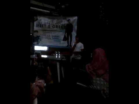 Ozy Adriansyah - Starving (Cover) at Click Cafe Bintaro 19 Februari 2017