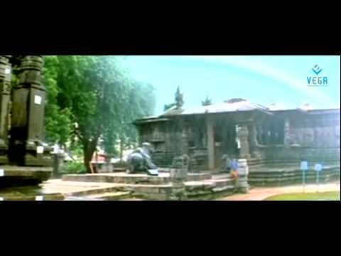 Prabhas Meets Trisha In Rain At Thousand Pillar Temple - Varsham