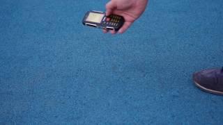 Защищенный телефон на 4 сим карты Sonim Land Rover Discovery M11 проверка на прочность